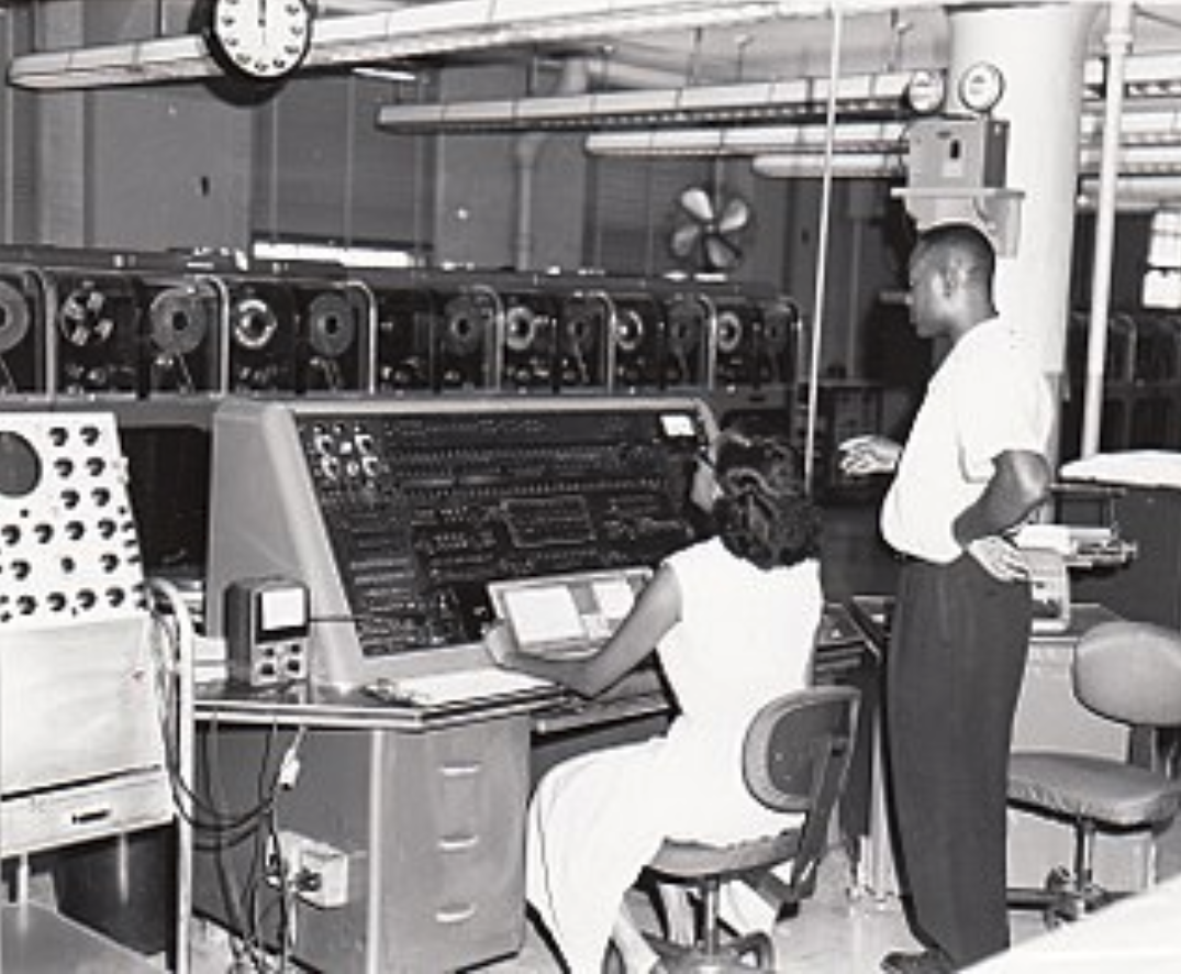 Univac I at Census Bureau with two operators ca. 1960. If this date is accurate it is notable that the system had not been replaced by that date.