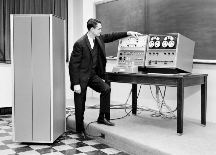 Wesley Clark demonstrating of the first Laboratory Instrument Computer, or LINC in 1962.